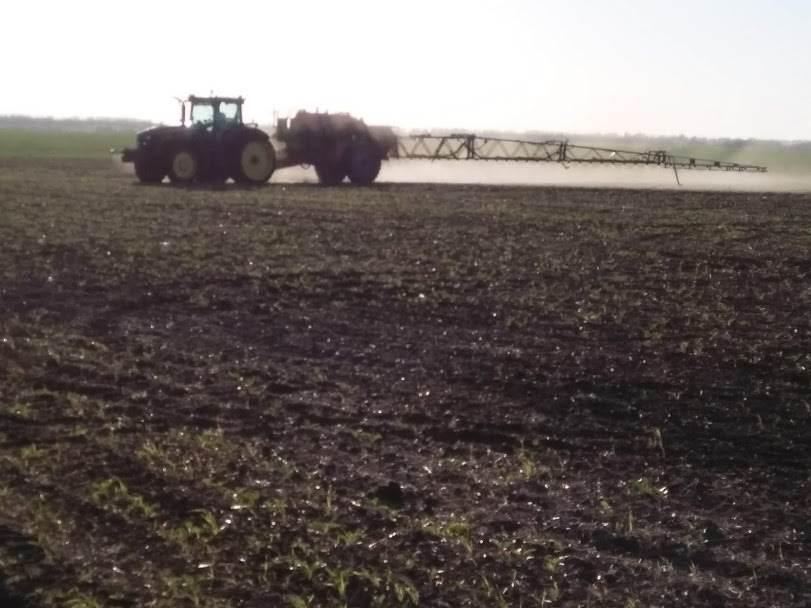 Процесс обработки поля Свекла сахарная препаратами ООО ТД Кирово-Чепецкая Химическая Компания