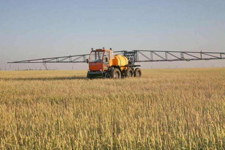 Оренбургские фермеры довольны эффектом работы самоходных опрыскивателей
